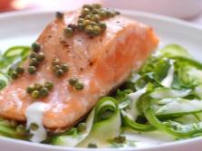 Peixe vermelho com pimenta verde