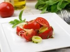 Pomidorų ir pipirmėčių salotos