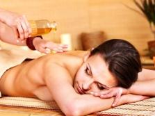 Massage mit Sesamöl