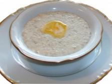 S kašou mandľového mlieka varenou