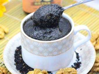 Schwarzer Sesam mit Honig