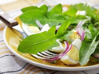 Dandelion Salad dengan Telur