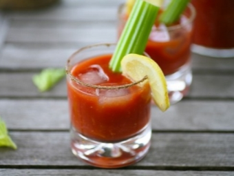 Bloody Mary Cocktail com molho de Tabasco