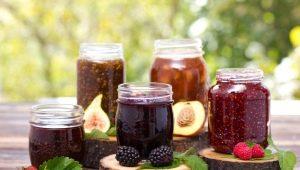 Főzés Fagyasztott Berry Jam