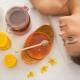 Características de clareamento de cabelo com mel