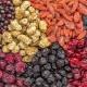 Szárított bogyók: az előnyök és kár, hogyan kell megfelelően szárítani és használni