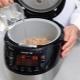 Todas las sutilezas de cocinar gachas de cebada en una olla de cocción lenta