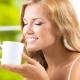 Grüner Tee während des Stillens: Nutzen und Schaden für Mutter und Kind