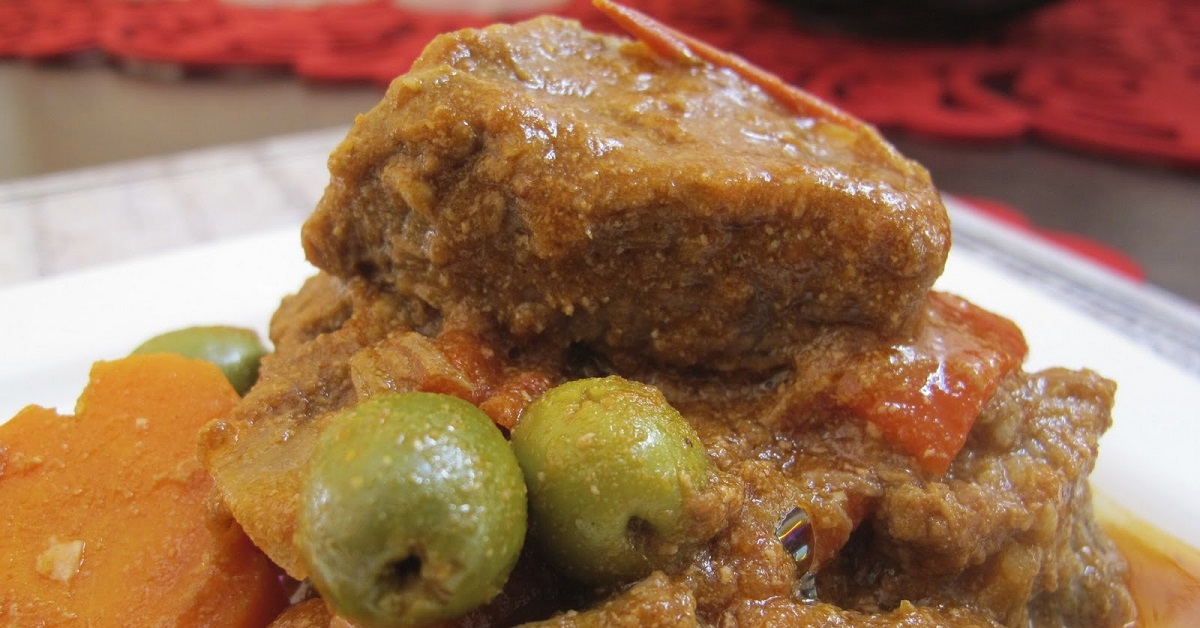 Kacang Ternak 26 Gambar Resipi Ayam Yang Lazat Dengan Sayur Sayuran Dan Kuah Dalam Kuali Sambil Merapikan Hidangan Dalam Sos Krim Masam