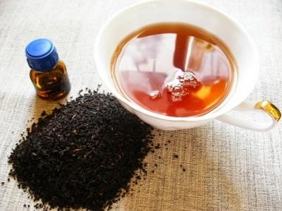 Chá saudável com óleo essencial de pimenta preta