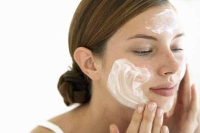 Chmina aliejus padeda kosmetiniams odos defektams