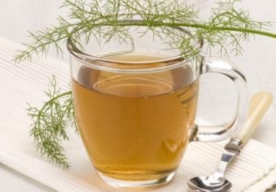 Chá de ervas com erva-doce para perda de peso