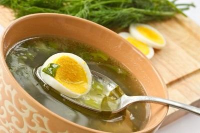 Sopa de primavera con perifollo