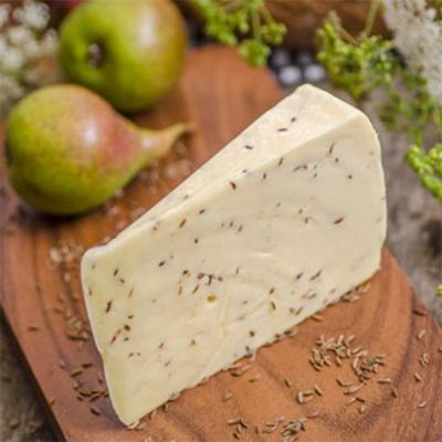 Hausgemachter Käse mit Kümmel