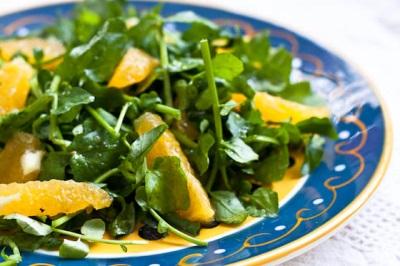 Narancs vízitorma saláta