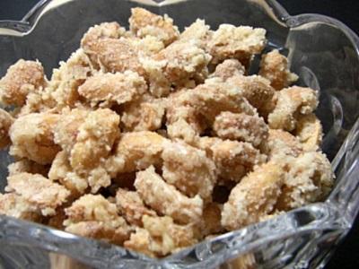 Pieczone orzeszki ziemne w cukrze