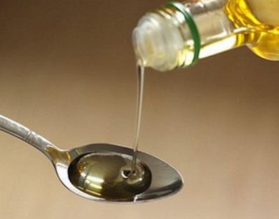 Manteiga de amendoim é usada externamente, adicionando-o a vários meios.
