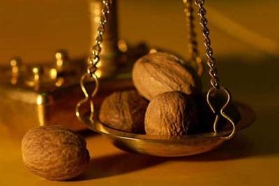 La nuez es rica en vitaminas y microelementos valiosos.