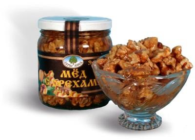 Honig mit Walnüssen ist nützlich für Männer - diese Mischung stellt die Potenz wieder her