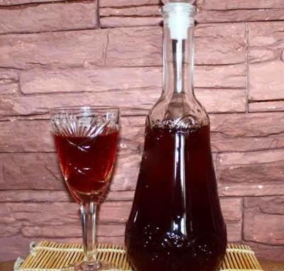 Vynas su austrių grybais