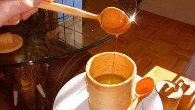 A recepção de um bálsamo de terpeno da resina de cedro para dentro só é possível em solução a 5%.