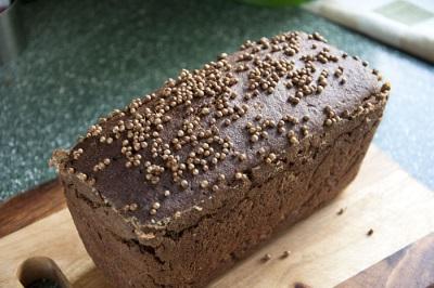 Pão Preto com Coentro