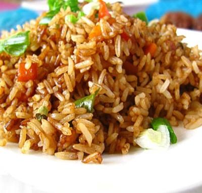 Smażony ryż z olejem sezamowym