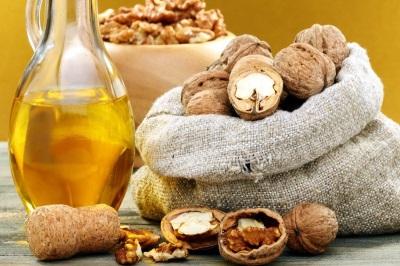 Minyak walnut digunakan dalam diet