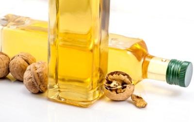 Minyak walnut digunakan untuk tujuan perubatan dalam beberapa penyakit.