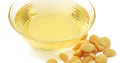 Austrālijas valriekstu eļļa tiek izmantota arī medicīniskiem nolūkiem.