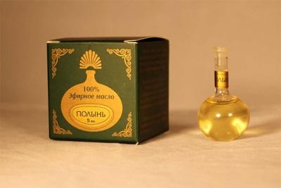 Penggunaan minyak pati wormwood dalam perubatan