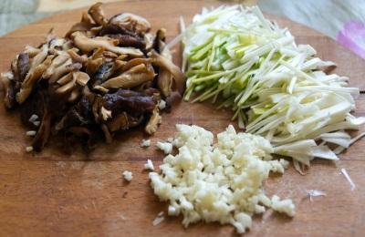 Daržovių paruošimas šitake su daržovėmis