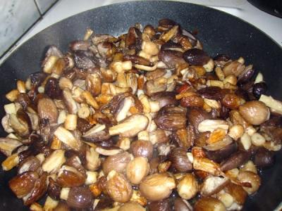 Estiércol de champiñones fritos