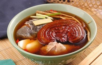 Σπάνια, αλλά το Reishi χρησιμοποιείται στο μαγείρεμα.