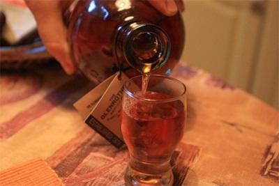 Tintura de clavos en vodka