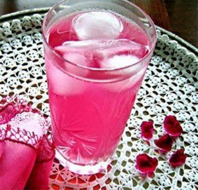 Rožu ziedlapiņu sula