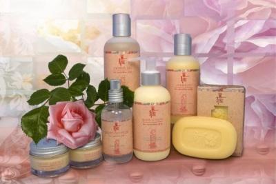 Rožių žiedlapių kosmetika
