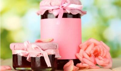 Komposisi kimia dan nilai pemakanan mawar kelopak mawar